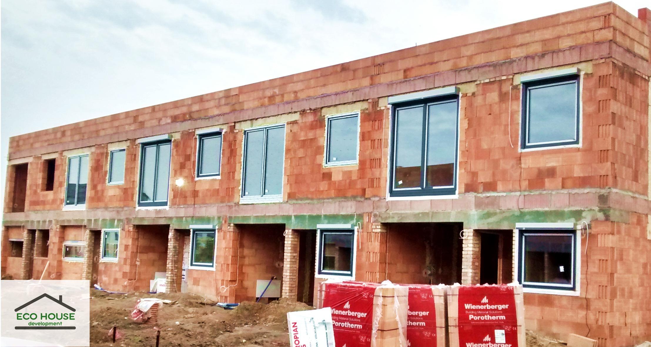 Osiedle Akacjowe, montowanie okien Eco House Development